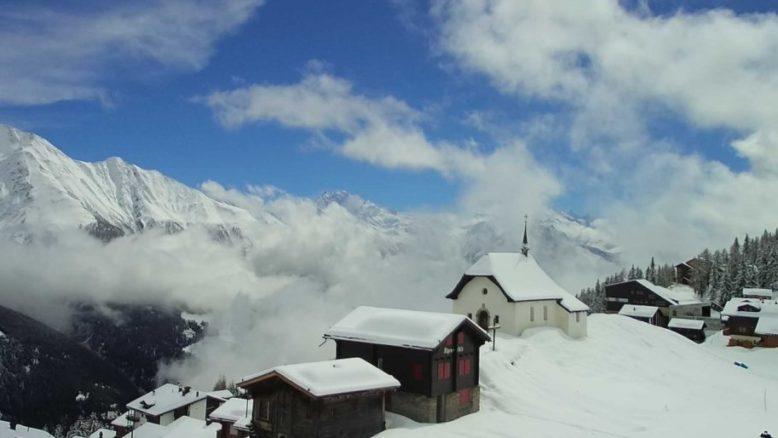 Bettmeralp (Svizzera) - Vista sul paese e sulla cappella