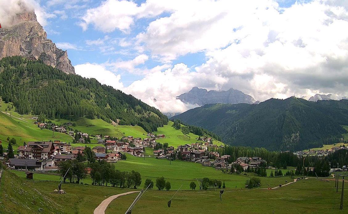 Colfosco - Vista sul Monte Sassongher